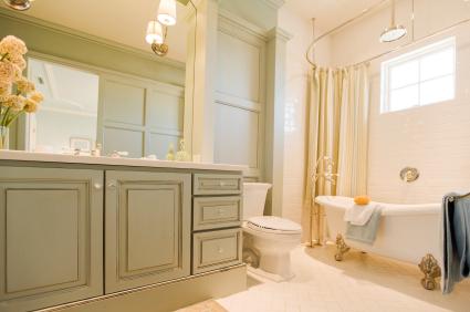 Claw foot tub in luxury bathroom  ©iStockphoto.com/akurtz